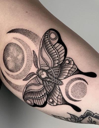 Tattoo op arm.